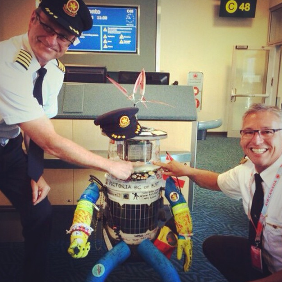 From hitchBOT Instagram.